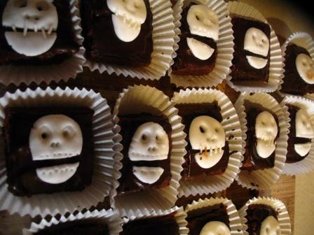 Morbid Chocolate Skull Cakes